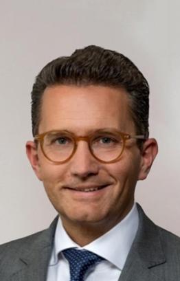 Dr Nikolaus Lang