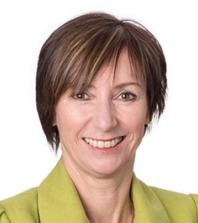 Angela Emslie